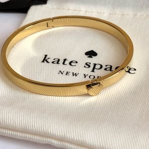 NEW!Kate Spade Signature Spade bangle